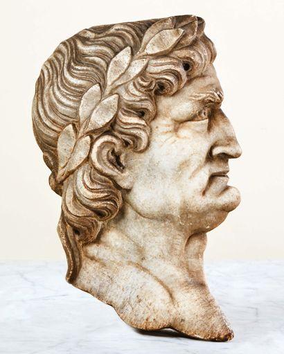 Profil de l'empereur Galba (?) en marbre...