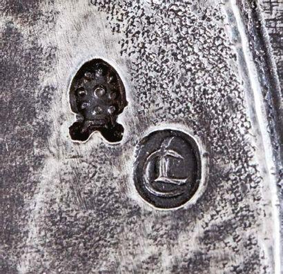 Plaquette en argent représentant le Christ mené devant Hérode. Poinçons à la pomme...
