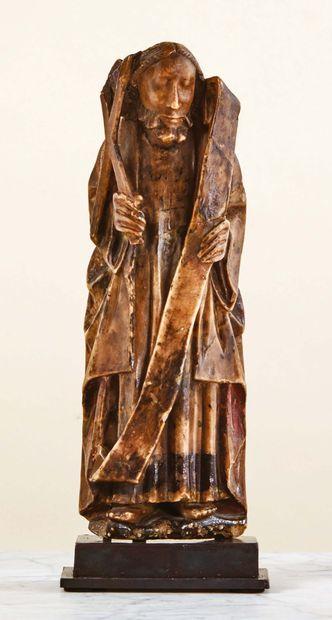 Saint André en albâtre sculpté en haut-relief rehaussé de polychromie, dos plat....