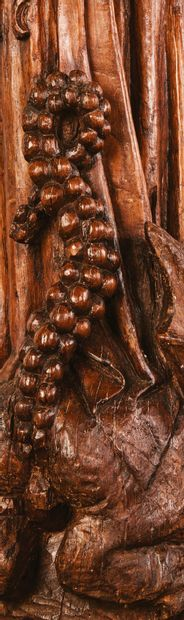 Sainte Marguerite en chêne sculpté, dos creusé. La jeune sainte est représentée...