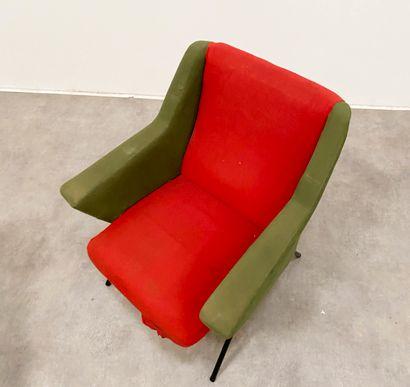 TRAVAIL Français DES ANNEES 1960 Paire de chauffeuses Tissu vert et rouge, métal...