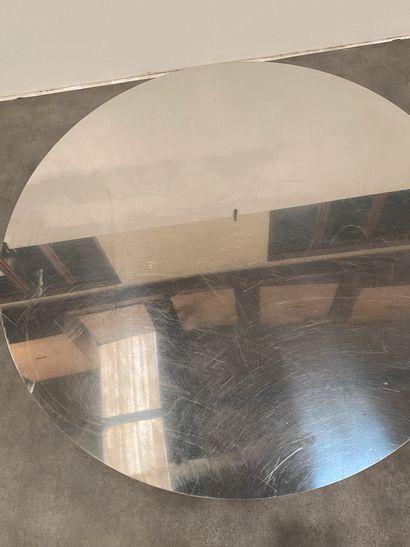 POL QUADENS (Né en 1960) Table de salle à manger Métal laqué, acier inoxydable et...