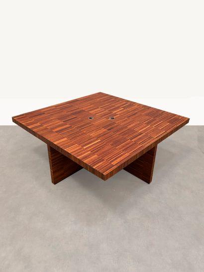 Grand bureau / table de conférence Placage de bois exotique H_74 cm L_200 cm P_200...