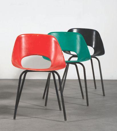 PIERRE GUARICHE (1926-1995) Série de 3 chaises...
