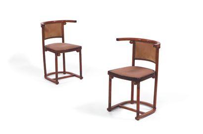 JOSEF HOFFMANN (1870-1956) Ensemble de salon composé d'un guéridon et de deux chaises...