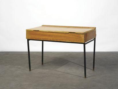 ANDRÉ MONPOIX (1925-1976) Coiffeuse modèle...