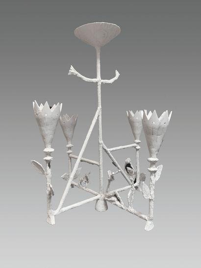 PIERRE ALLEN (ATTRIBUÉ À)  Grand lustre cage  Cuivre recouvert de plâtre.  Vers...