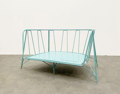 """PAOLA NAVONE (Née en 1950) Canapé modèle «EU/Canistro», collection """"Eumenes"""" Aluminium..."""