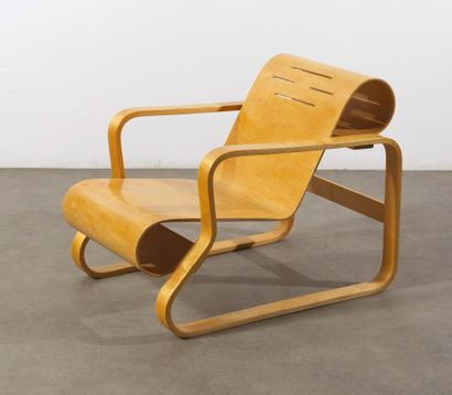 Alvar Aalto (1898-1976) Fauteuil «Paimio» modèle «41» Hetre lamelle-colle et bouleau...