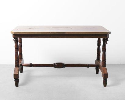 Table basse en bois naturel au plateau au...