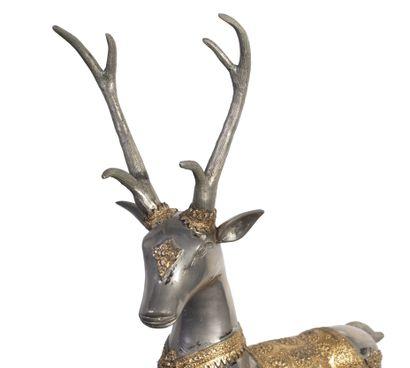 THAILANDE Sculpture en bronze argenté et doré représentant un cerf H_47 cm L_47...