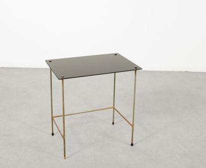 Table d'appoint en verre teinté noir et métal...