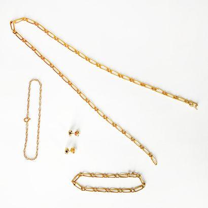 Lot en or jaune 18K (750) comprenant un collier...