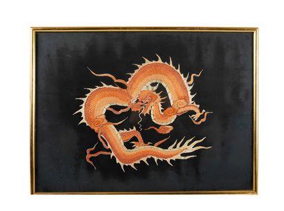 Chine Broderie au dragon L_56 cm P_42 cm