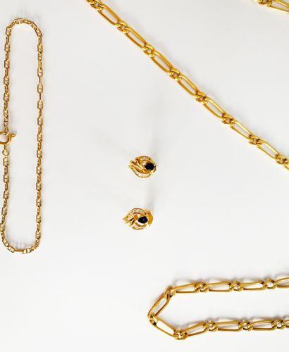 Lot en or jaune 18K (750) comprenant un collier et son bracelet assorti, un bracelet...