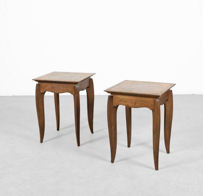 Paire de tables d'appoint en bois naturel...