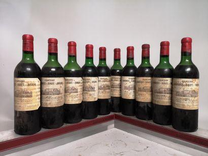 10 bouteilles Château LARRIVET HAUT BRION...