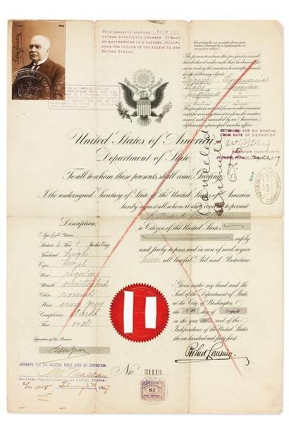 PASSEPORTS 1850/1917 3 passeports, l'un en copie photographique ancienne (négatif...