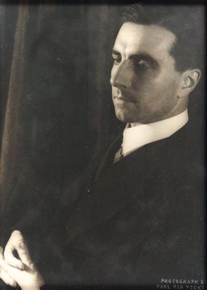 GREEN Julien - 1933 Photographie mi-buste,...