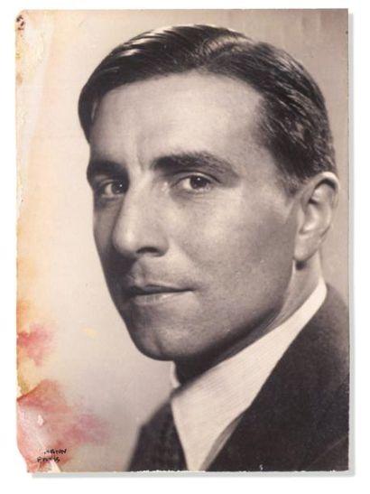GREEN Julien - 1934 Portrait de trois quarts,...