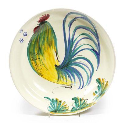 PLAT en céramique au décor d'un coq. D_43 cm