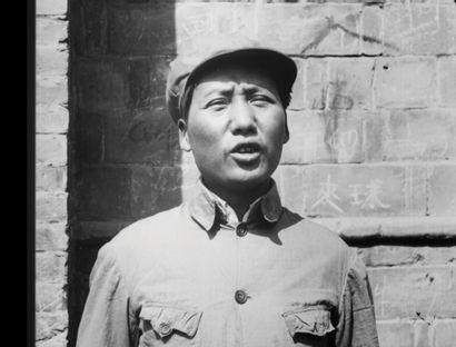 「延安內貌」 1938年攝於延安的第一部新聞片(片長14分鐘),原版35毫米電影正片拷貝,為最早在銀幕上出現毛澤東鏡頭的新聞紀錄片。 又名「西北線上」,由林蒼、徐天翔製片、導演,金昆攝影,中國戰時電影研究會監...