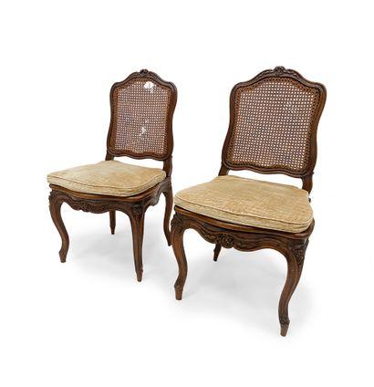 Paire de chaises cannées En bois naturel...