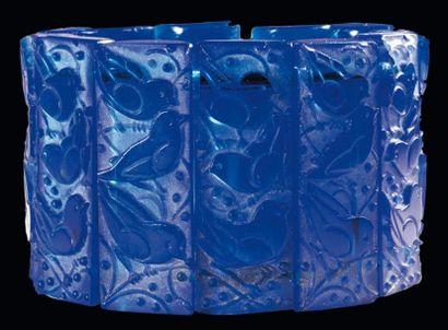 RENÉ LALIQUE (1860-1945) Bracelet Mésanges Bracelet extensible composé de 14 éléments...