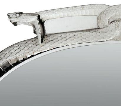 RENÉ LALIQUE (1860-1945) Grand miroir ovale - Deux serpents Modèle créé en 1922....