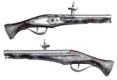 Très belle paire de pistolets de ceinture...