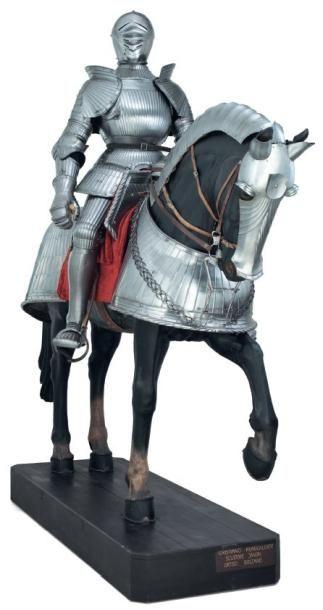 Armure et barde lourde de cheval à cannelures,...