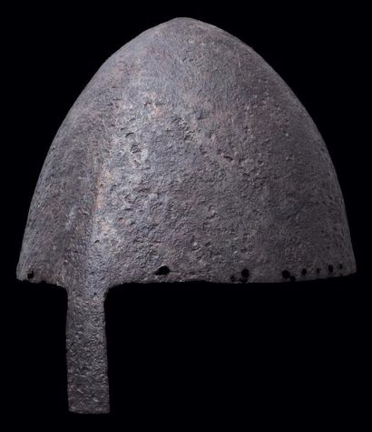 Casque conique à nasal de style XIe siècle, XIXe siècle. A nasal helm in 11th century...
