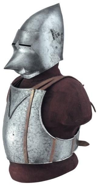 Bacinet « à bec de passereau » et cuirasse sans protection du dos, dans le style...