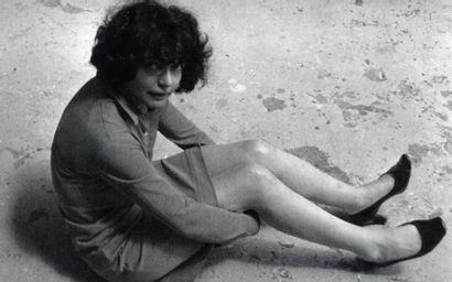 ALINA SZAPOCZNIKOW (1926-1973) Lampadaire bouche, circa 1969 Polyester teinté. H_127...