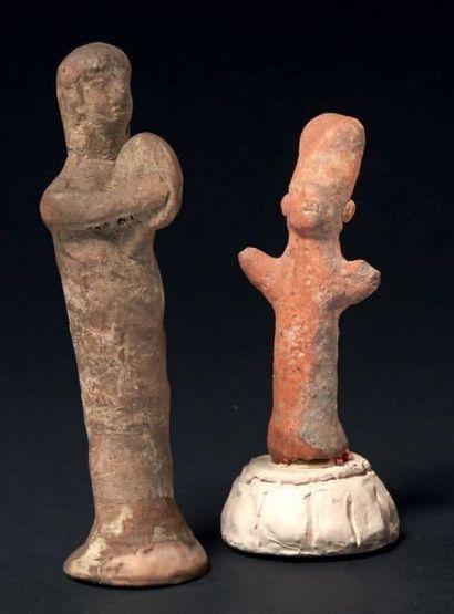 ORANTS CHYPRIOTES. Lot composé de deux statuettes...