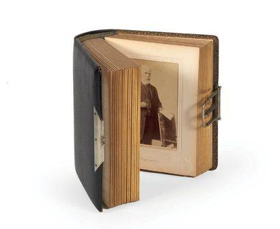 [DREYFUS (Affaire)]. Album de 50 portraits...