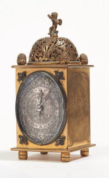 PETITE HORLOGE DE TABLE en bronze ciselé...