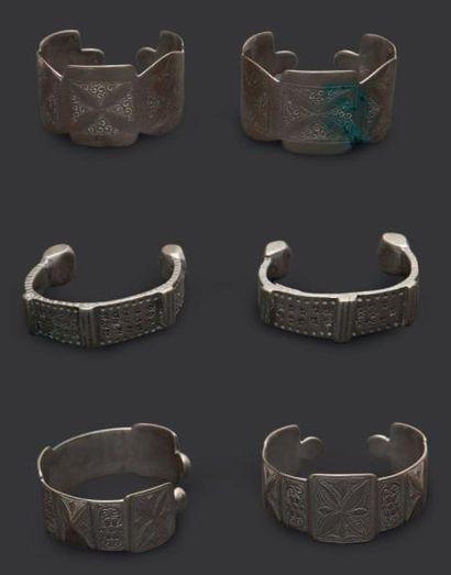 Trois paires de bracelets de cheville khalkhal,...