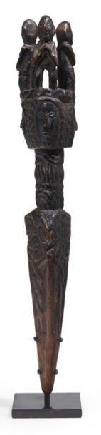 DAGUE rituelle en bois «Phurbu» ornée de...