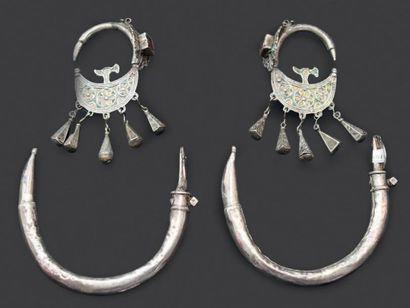 Deux paires de boucles d'oreilles, Aït Ouaouzguit...