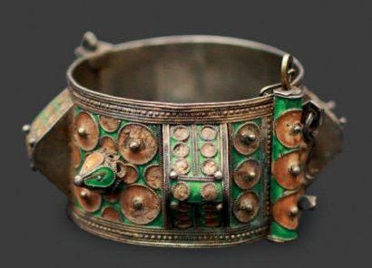 Large bracelet à decor dit «en Toit», Anti...