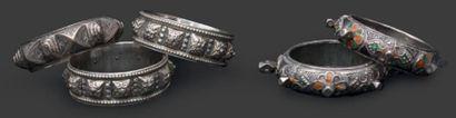 Deux paires de bracelets, Moyen Atlas et...