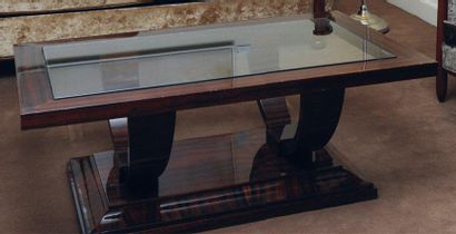 Table basse de Style Art Déco, la base formée...