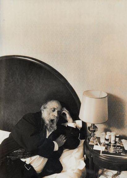 César dans sa chambre au Lutetia, 1994 Photographie...
