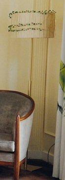 Lampe de parquet en métal doré customisée...