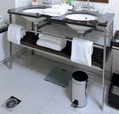 Double lavabo en marbre, métal et bois. H_85...