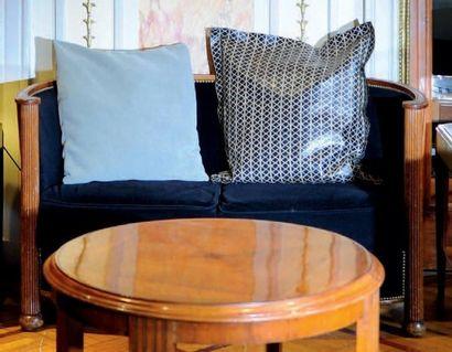 Paire de fauteuils corbeille de style Art...