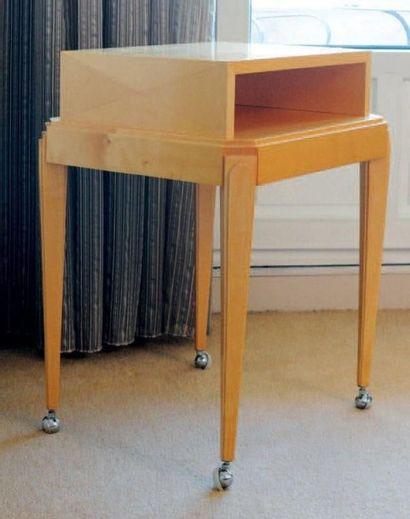 Table de milieu à gradin en bois clair de...
