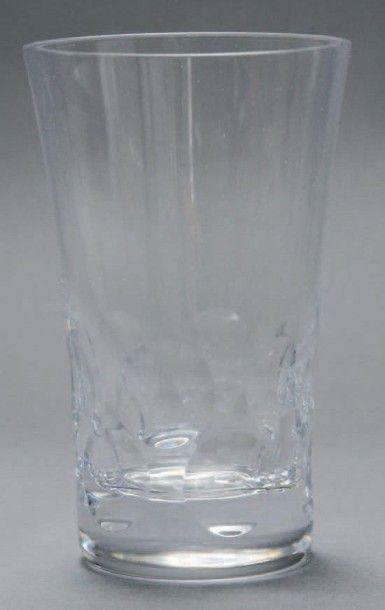 Dix gobelets en cristal de Baccarat, modèle...