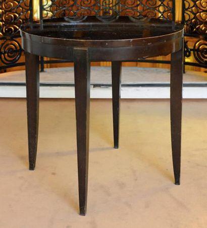 Table circulaire à pieds gaines H_64 cm D_65...